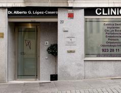 Fachada Clínica Dental López-Casero